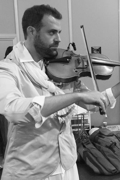 orquesta-sinfonica-castilla-leon-musicos-mercedes-benz-fashion-week-madrid-tempo-esther-noriega 3